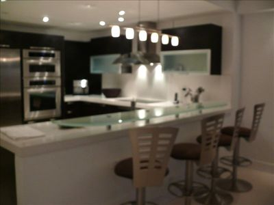 kitchen/ bar