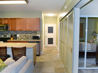 Brand New Remodeled 2 bedroom condo 100 yards from a great beach!