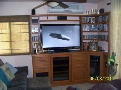 Living Room With 50' HD TV, King Bed Great Location pool & hot tub right outside