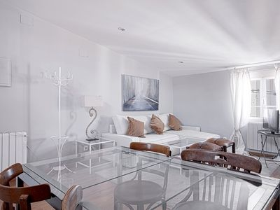 Lista. Design apartment placed in the exclusive Salamanca quarter. 1dorm, 4 pax