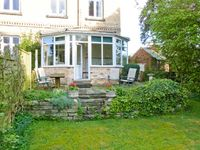 LITTLE GREBE, pet friendly, with a garden in Hornsea, Ref 906593