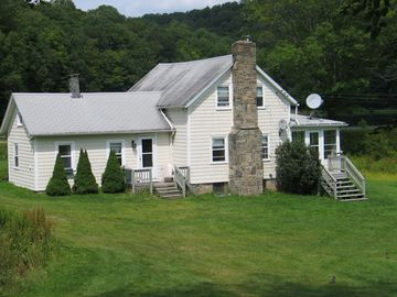 Roscoe FARMHOUSE Rental Picture