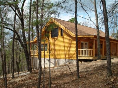 Ridgedale cabin rental - Bear Cliff with its 18 foot high rustic beams and Large Jacuzzi.