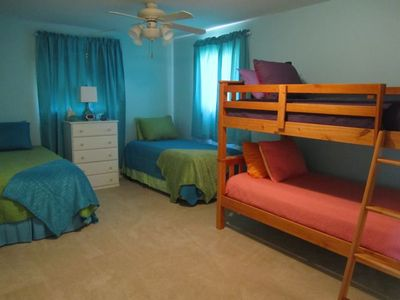 Lake Buchanan house rental - Guest bedroom with attached bathroom