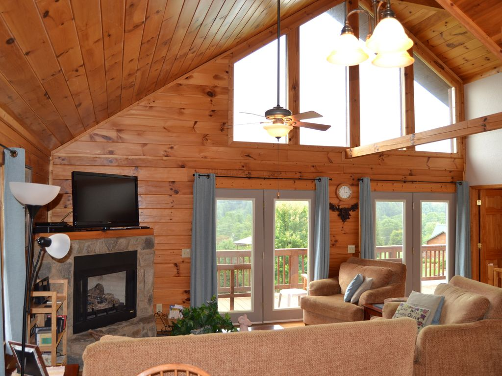 Two story log cabin w hot tub mountain view vrbo for Two storey log cabin