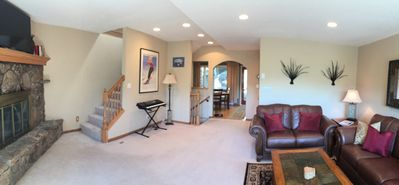 Beautiful 4BR/3.5 Bath Townhome In Vail Valley Close To Skiing with Great Views