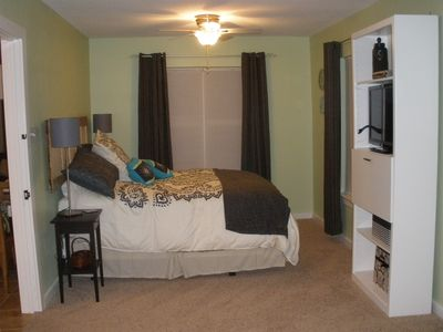 Master bedroom has 32' flat screen TV and drop leaf desk