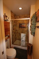 Marina del Rey condo photo - Master bathroom with tropical sunset mural