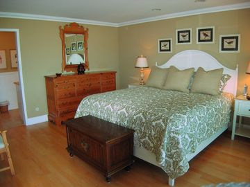 Master Bedroom with Ensuite Bath Casa 225