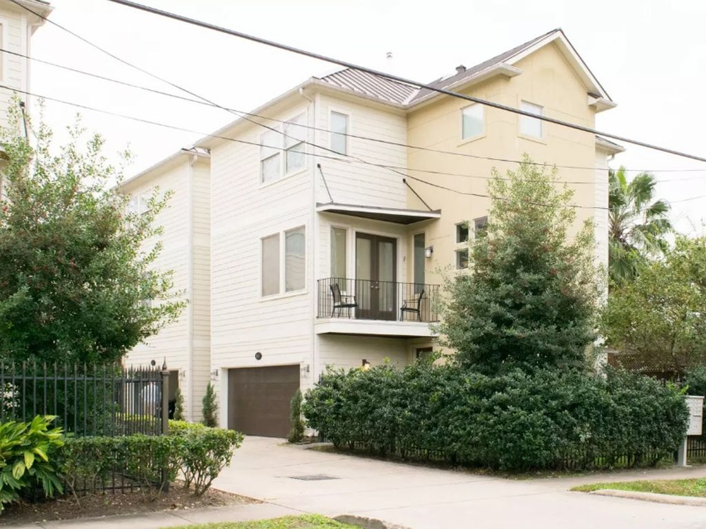 3 story modern townhome in the heart of houston vrbo for One bedroom townhomes for rent in houston