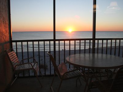 Enjoy Sunsets on Lanai Overlooking Beach and Gulf of Mexico