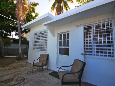 Cozy 1/1 Close to beaches and Airport 10 Minutes away close to Stores and Buses