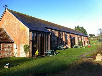 Barn Conversion In Peaceful Countryside Location With Games Room, Walking And Cycling From The Door