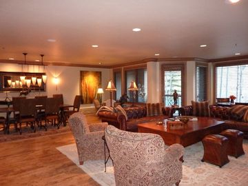 Beaver Creek condo rental - Great Room looking directly into the ski slopes