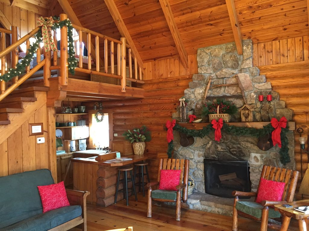Riverfront Log Cabin On The Ocoee River Vrbo