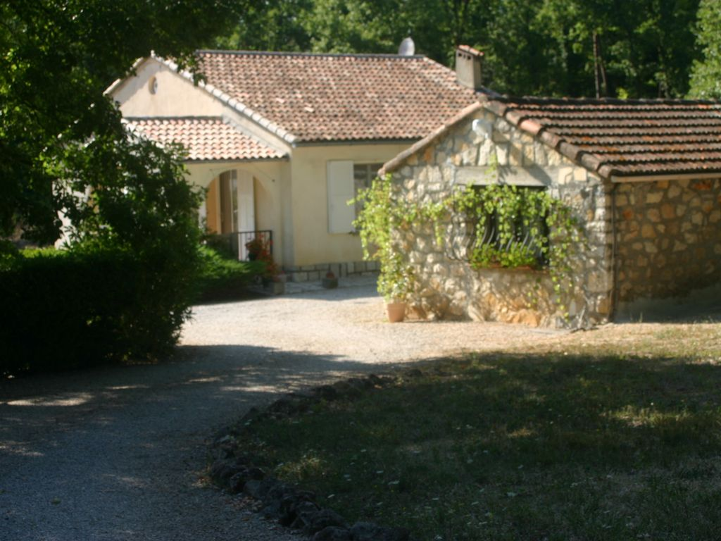 Air-conditioned house, close to the beach , Callian