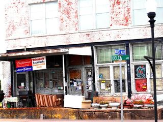 Ground Zero Blues Club - Clarksdale apartment vacation rental photo