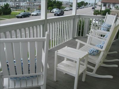 covered deck with rockers