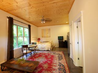 Nashville cottage photo - The beautiful wood ceiling brings a bit of the outside in!