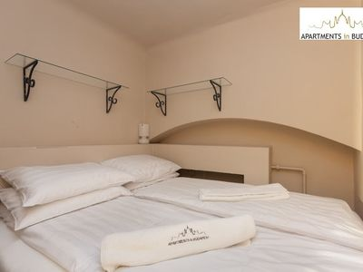 Opera View Apartment - comfortable double bed