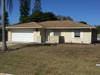 Perfect 3/2 home! West of the trail, 10 min to downtown SRQ.