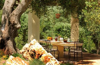 Al Fresco Dining and Italian Nature