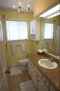 Galveston house rental - 2 full bathrooms 1 with a shower and 1 with a tub/shower combo