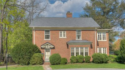 Historic Robeson House, Perfect Location Downtown & Next to Campus