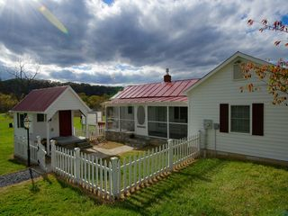 Luray cottage photo - .