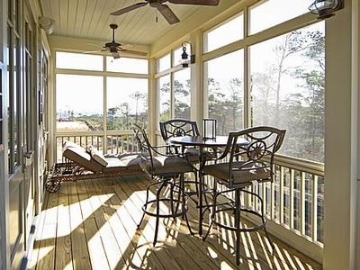 Spacious Screened Porch Overlooking Gulf