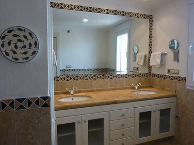 Altea apartment rental - Second bathroom with walk in power shower