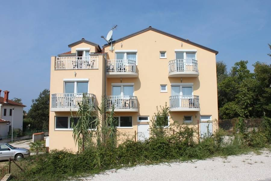 Holiday apartment 369970