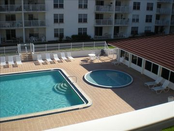 Great club house, kiddie pool and large pool