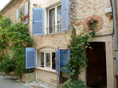 Gorgeous townhouse in the centre of Valbonne with LARGE ROOF TERRACE and AIRCON!