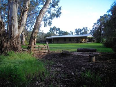 1534 on the Murray - Private Murray River frontage