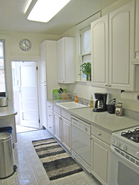 Full kitchen with microwave, dishwasher, garbage disposal, gas range.
