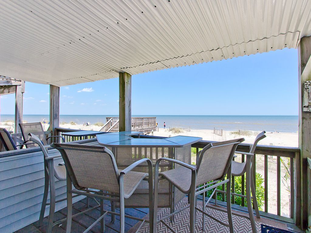 tybee lights 114a 2 br 2 ba apartment in vrbo