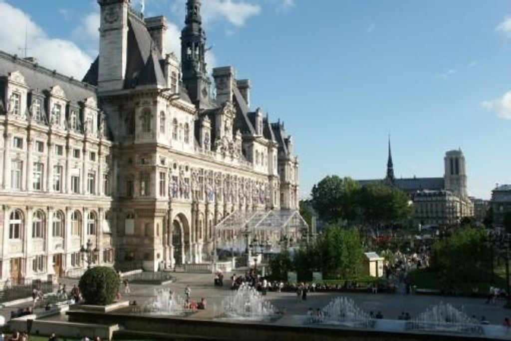 Luxury apartment at the heart of Paris Rent