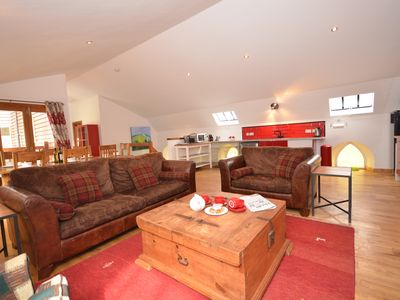 Self catering: luxury 4 -bedroom eco-home In beautiful Southern Uplands village