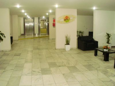 Fit in the resort center. Cable TV, Wi-Fi, safety net and 24hr reception