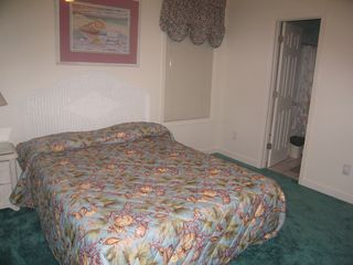 Garden City Beach house photo - one of the 2 queens bedrooms that shares a bath