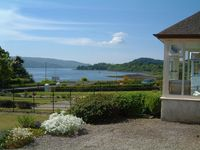 Charming Bungalow in West Coast location looking on to Loch Fyne