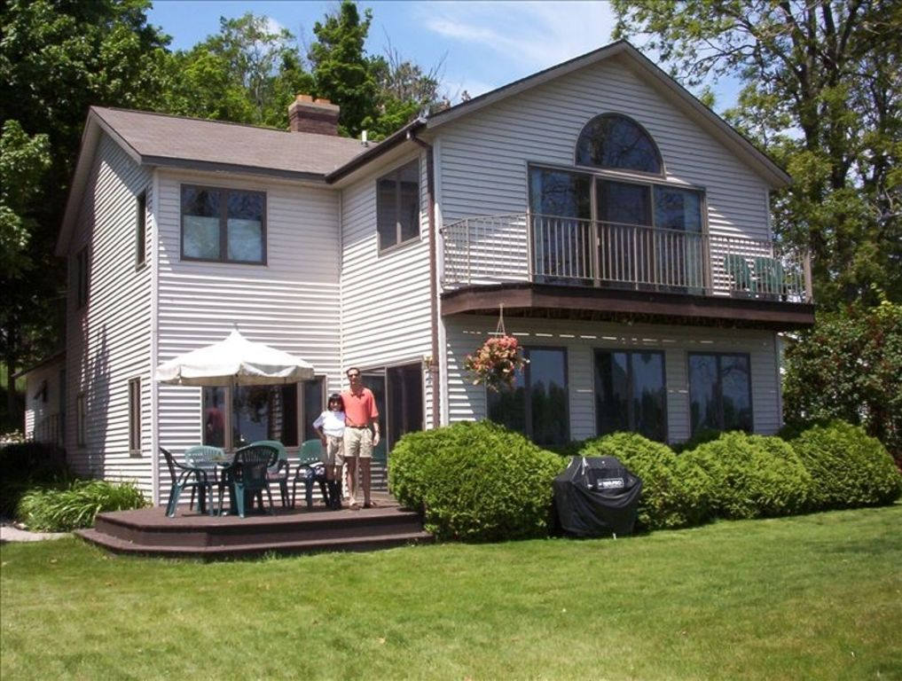 West Michigan Executive Lakefront Retreat