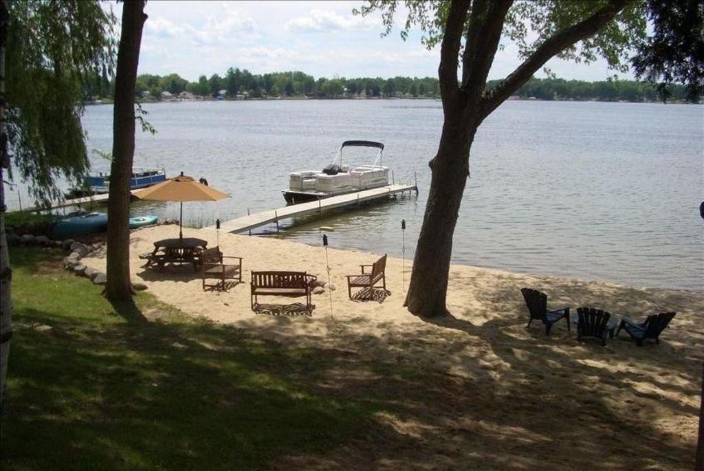 Thisisit Too Lakefront Cottage Includes 22 Pontoon Boat