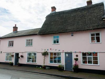 Traditional listed Norfolk cottage in medieval village. Child & dog friendly.