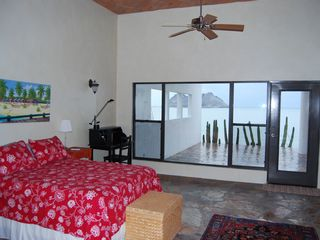 Kino Bay villa photo - Master bedroom