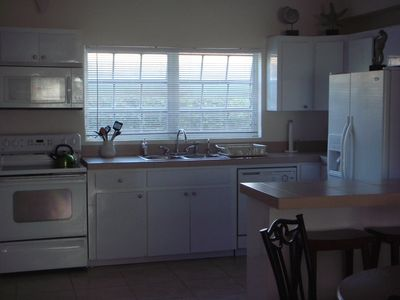 Nassau & Paradise Island townhome rental - Kitchen