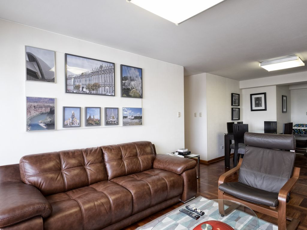 Modern 3BDRM Apartment with A/C in Miraflores