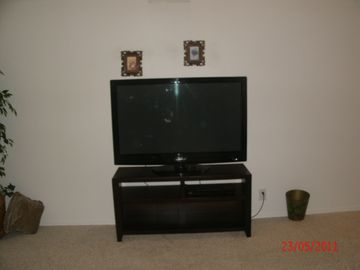 Flat Screen TV, DVR