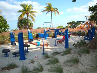 Pompano Beach villa photo - New exercise equipment for the fitness fanatic is located at the beaches edge.